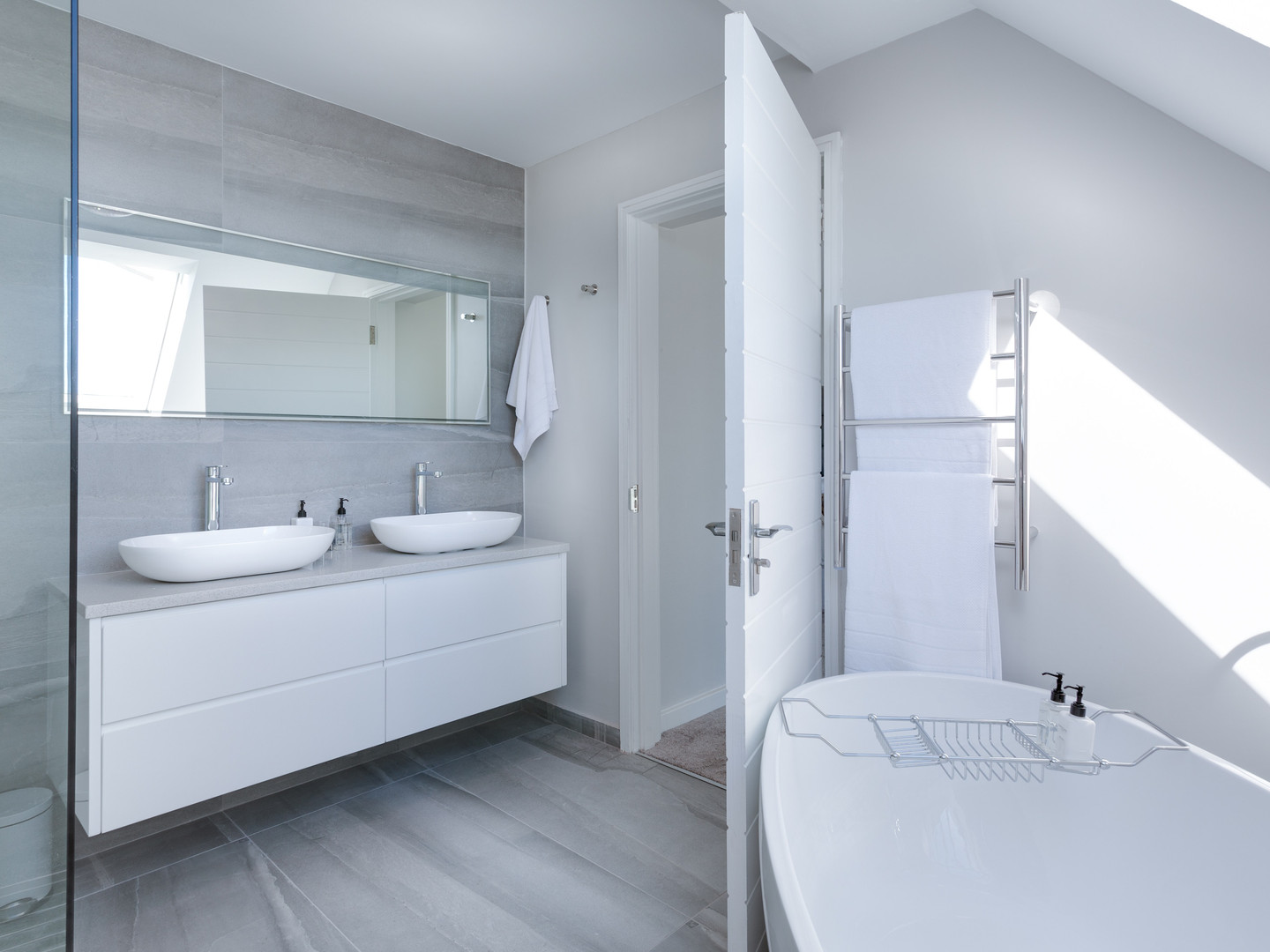 Napoli Modern White Bathroom