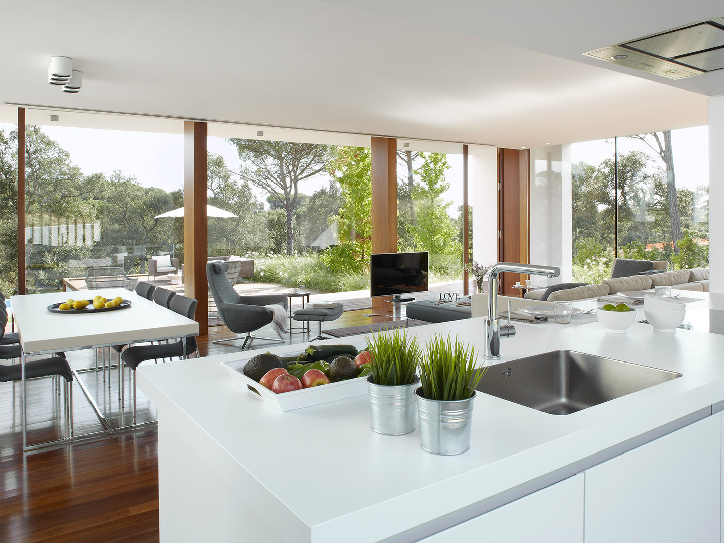 Napoli Modern Kitchen with a View