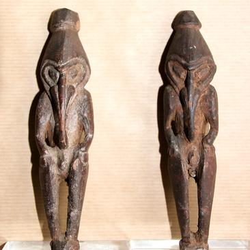 Amulet figures