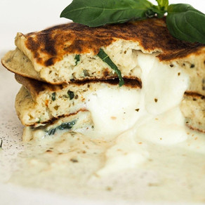 Pancakes fourrés mozza pesto basilic!