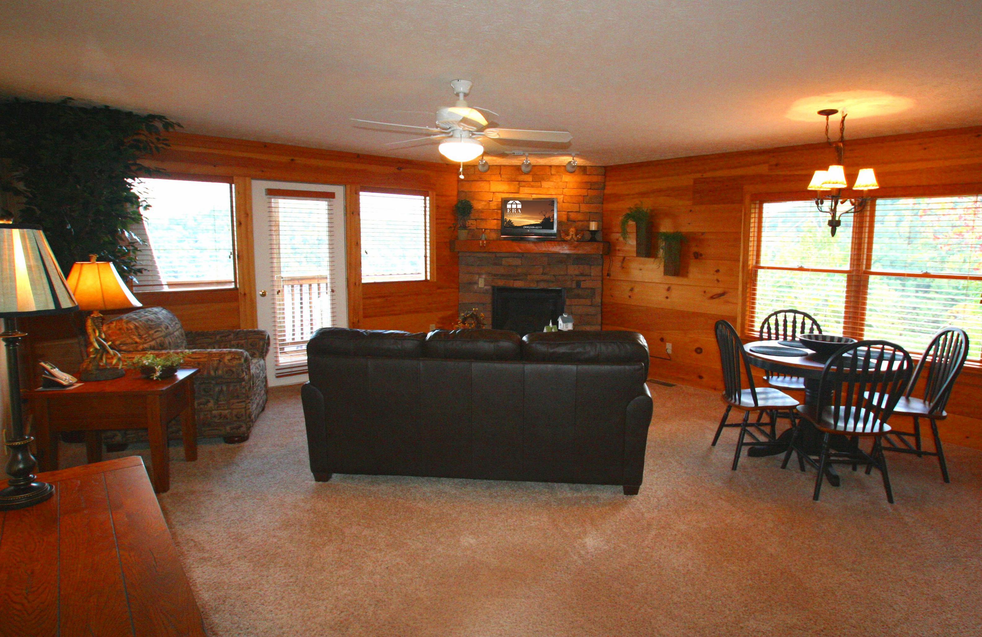 EAGLES NEST livingroom 2