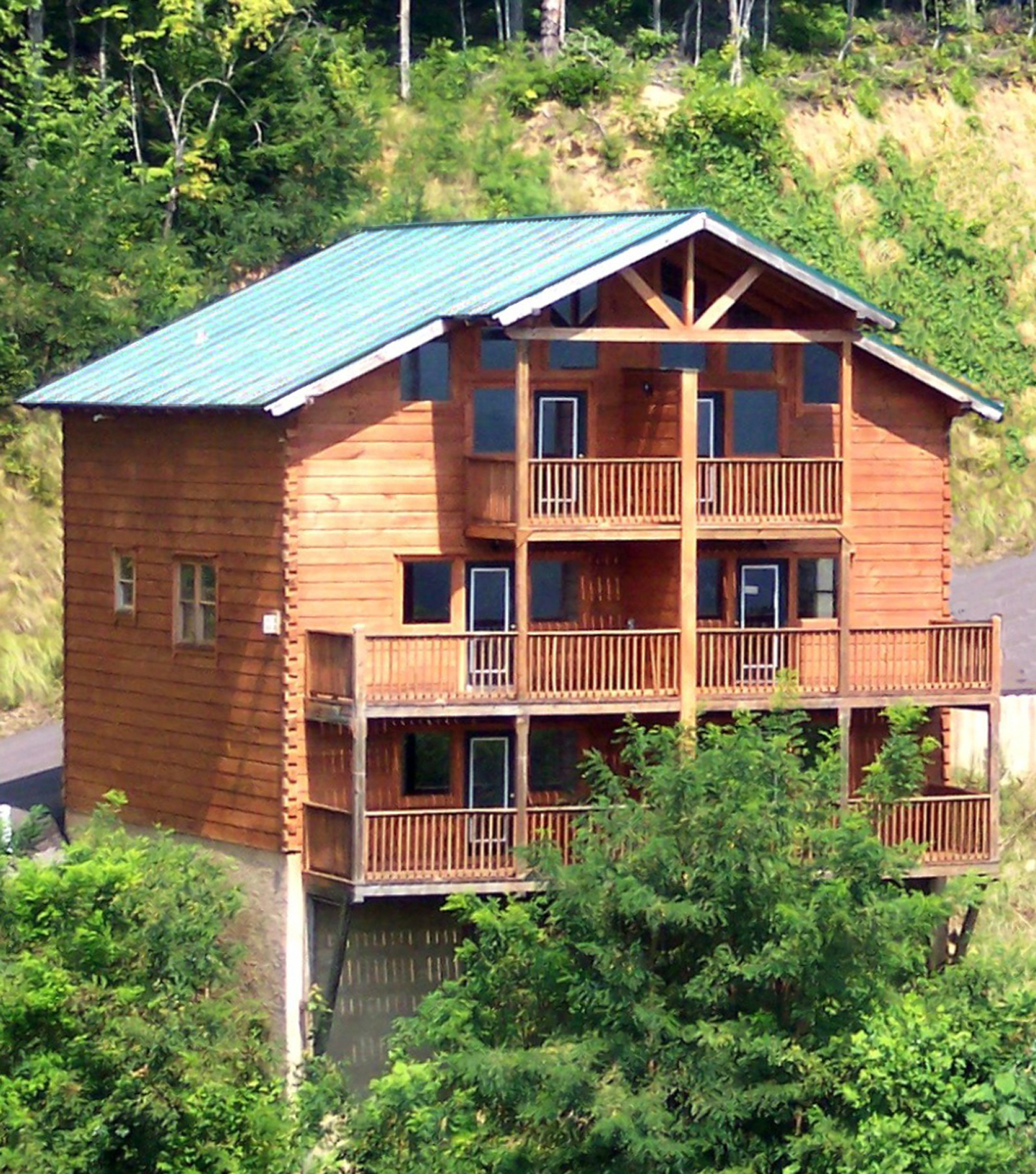 EAGLES NEST Exterior