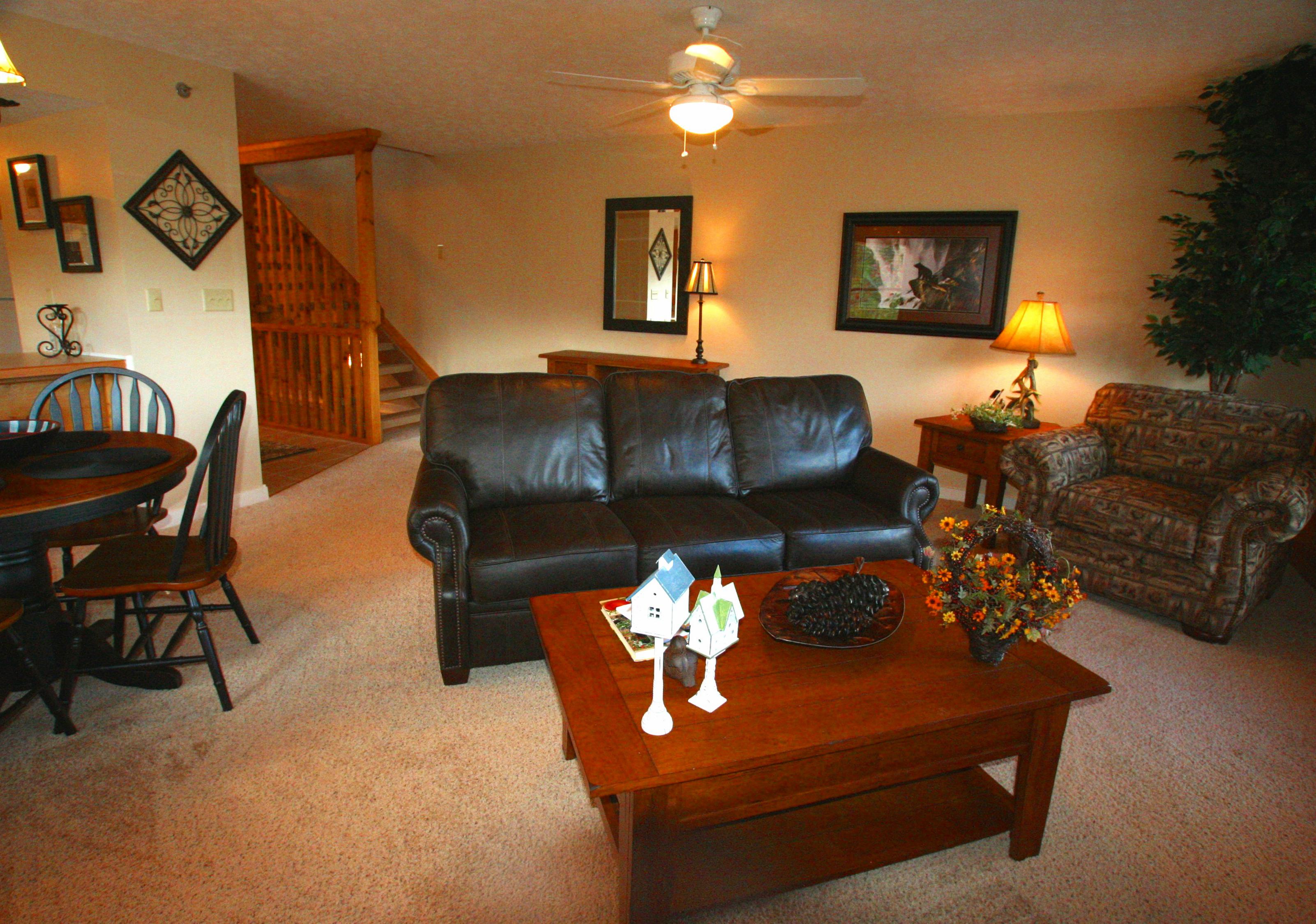 EAGLES NEST livingroom