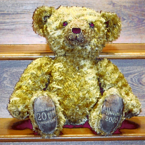 2005 LIMITED EDITION Harrods Christmas  Bear - Nicolas