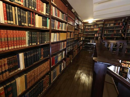 Biblioteca mais antiga de São Paulo, no Mosteiro de São Bento