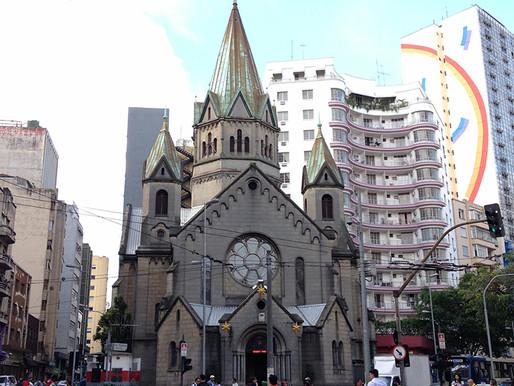 Igreja que carregou título de catedral de São Paulo por duas décadas luta para escapar da ruína