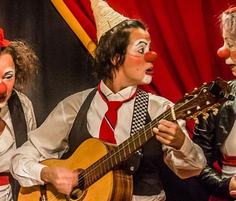 Circo di SóLadies leva palhaçaria para o SESC Parque Dom Pedro II