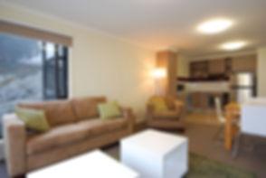 00__Higgi-drive-3-4_lounge.jpg