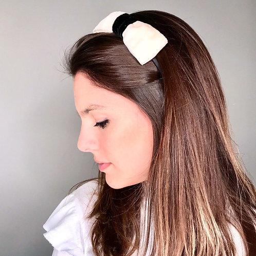 Tiara de cabelo Leah com laço