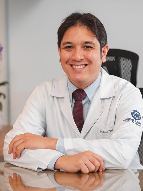 Dr. Aldo Takano - Cirurgião do aparelho digestivo