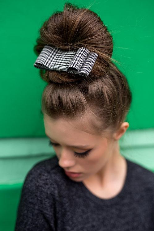 Laço de cabelo Yasmin modelo Chanel em tweed