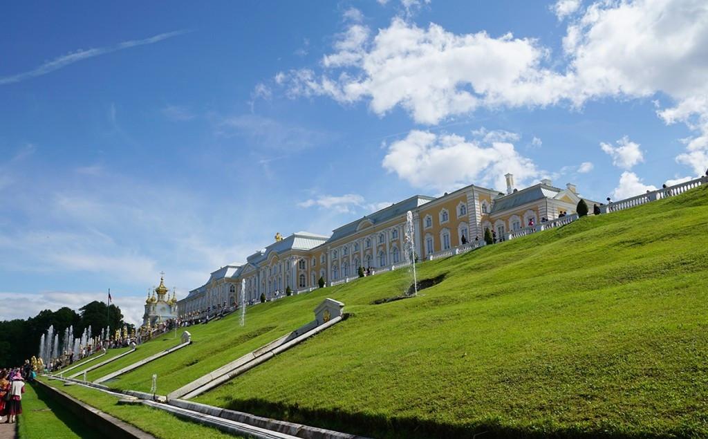 grand-palace-peterhof-st-petersburg-.jpg