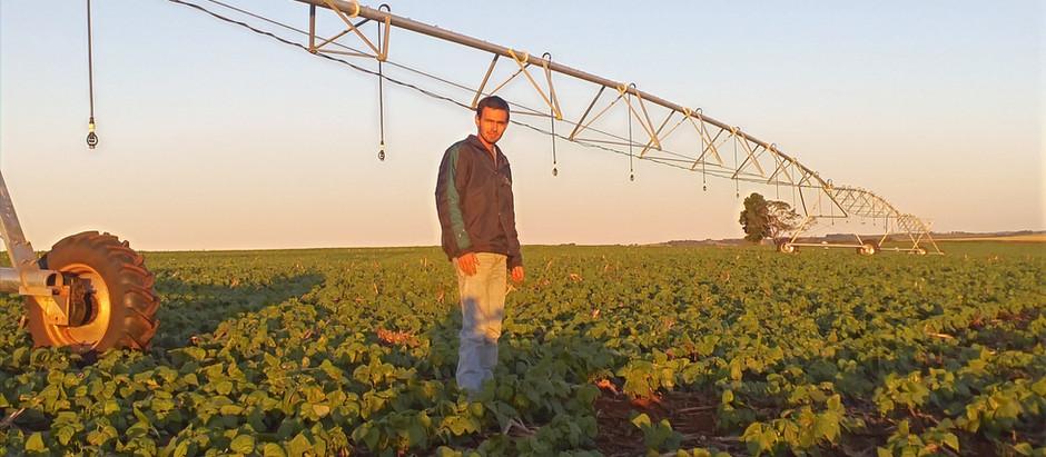 """Fala, irrigante!""""Para o agricultor ter mais segurança na sua produção, precisa investir em irrigação"""