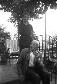 Top of the Stairs | M et Mme. Foulquié en Haut des Marches