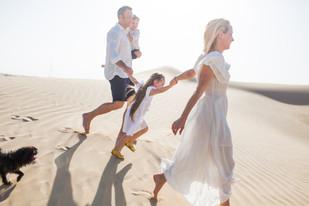 Absolutely stunning light and family in the desert.