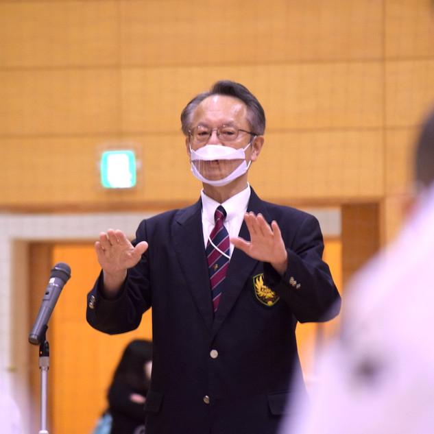 審判長による手話挨拶