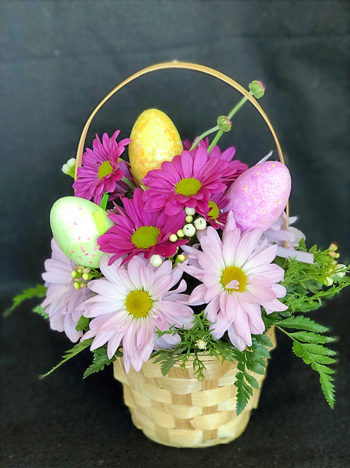 Small Easter Basket with Daisies