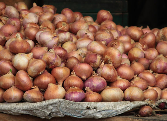 6 Onions (approx 1kg)