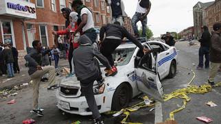 """스탠포드 대학 흑인우월주의 운동 지지 학생 입학 허가 -  입학 원서에 """"Black Lives Matter"""" 100번 쓴 모슬렘 학생"""