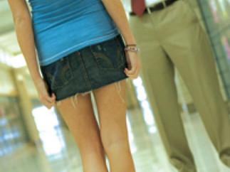性 생활 활발한 뉴욕 여고생 절반 동성애 경험 충격 -  성행위 즐기는 27.5% 학생 중 46.6% 동성애 경험