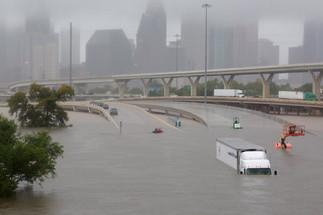 뉴욕교협 텍사스 수재민돕기 성금 모금활동 전개 -  4등급 허리케인 '하비' 강타, 휴스턴 물의 도시로 변해