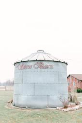 Leidy and Josh Photography _ Stone Barn