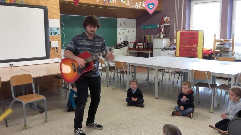 Jeunesses musicales en maternelle
