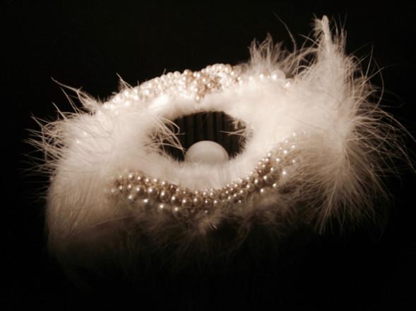 Plumes , perles, fourrure ...