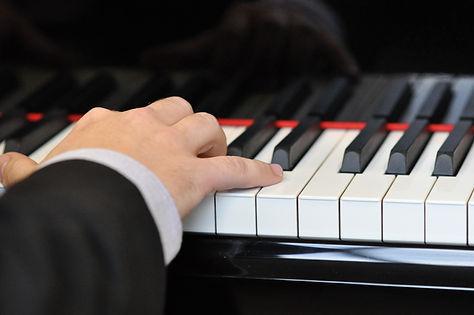 VilaClosa5-Piano [MCB].jpg