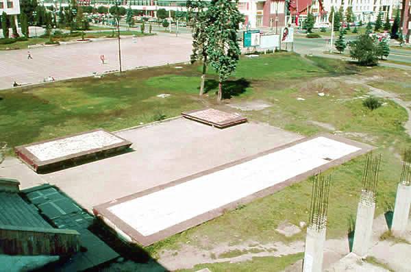 Children's footprint Salt installation on iron plate  4m x 6m 4m x 8m 4m x 25m 2003 - INTERart 2003 Miercurea Ciuc Romania