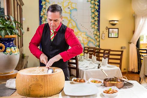 Gianni's Spaghetti Al Formaggio Parmigia