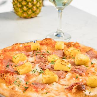 Azzurro Pizza Ham & Pineapple 1.jpg