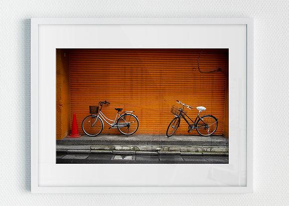 Bicyclettes orange à Akihabara (Tokyo / Japon)