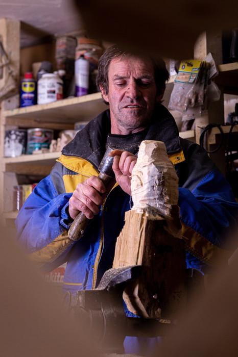 Xavier, le sculpteur qui parle aux Elfes.