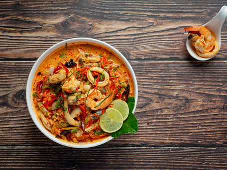 SOPA THAI TOM YUM CON MIXTURA DE MARISCOS