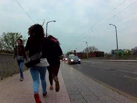 Girls took a taxi from Stabroek to Rotterdam and try to run without payment