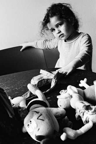 'an my kid daughter wid' a few pals