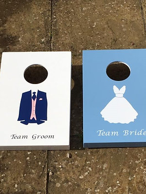 Team Bride vs Team Groom cornhole boards with 8 x throwing bags