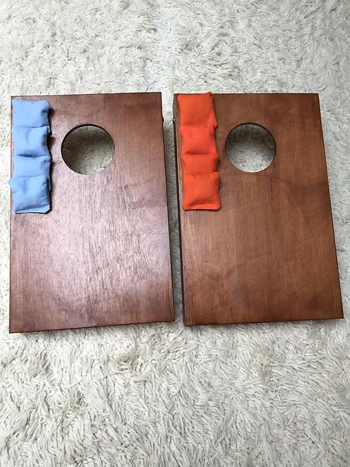 Mini cornhole boards with 8 x throwing bags
