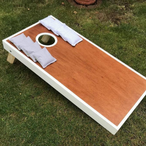 Large Stained cornhole board with 8 x throwing bags