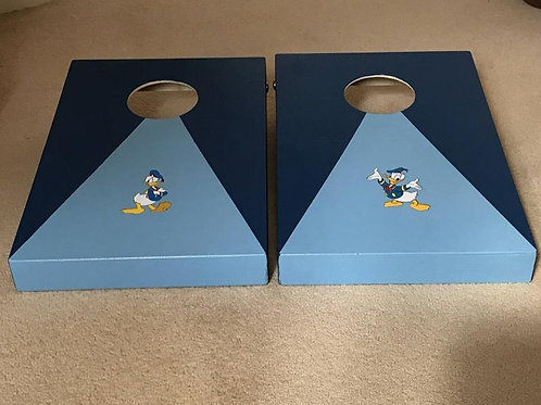 Donald Duck cornhole boards with 8 x throwing bags