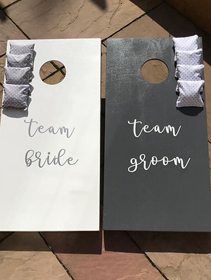 Wedding team bride vs team groom cornhole boards and 8 x throwing bags