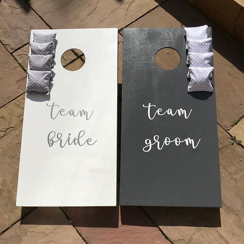 Wedding team bride vs team groom cornhole boards and 8 x throwing bags