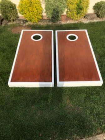 Large stained cornhole boards with 8 x throwing bags