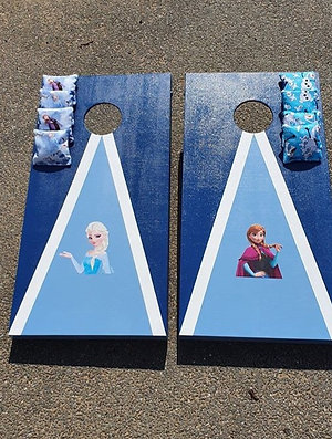 Frozen cornhole boards and 8 x throwing bags