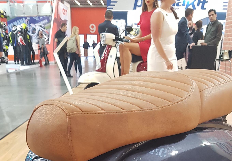 Royal Alloy GP 300 Tan Seat