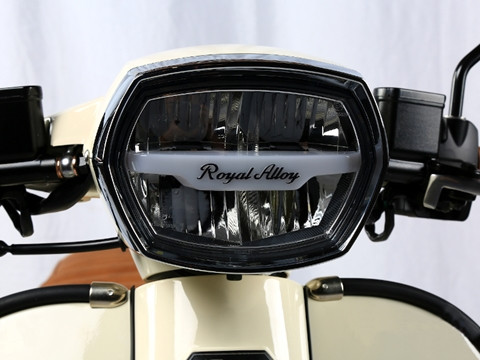 Royal Alloy GP300 Headlight
