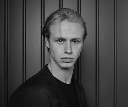 THE WORLD OF BALLET WITH FRASER ROACH