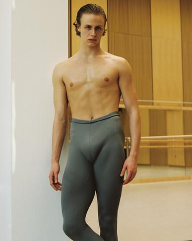AD LIBITUM STUDY OF A DANCER 5