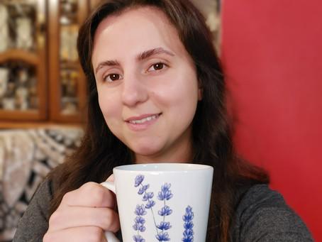 Sproščeni večeri s skodelico sivkinega čaja